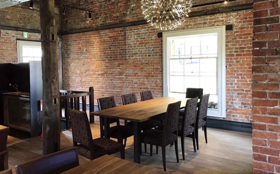 法人様向けの家具をご提案 レストラン