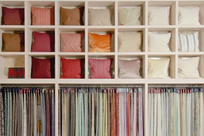 3000種類以上のファブリックから選べる生地 オーダーカーテンやソファ・チェアの生地