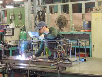 クロテツ(無垢鉄)、杉山製作所の家具たち