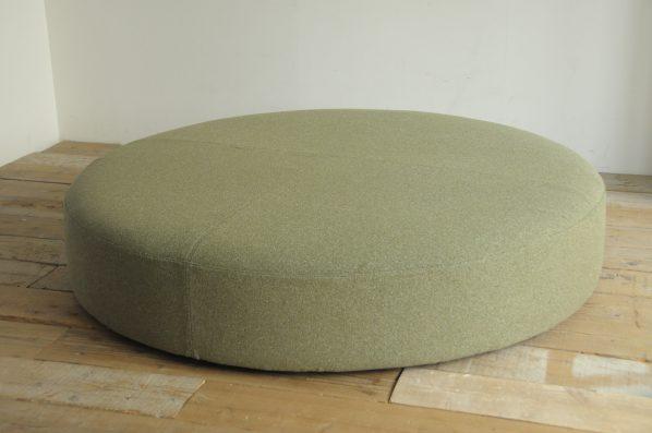 丸いソファー