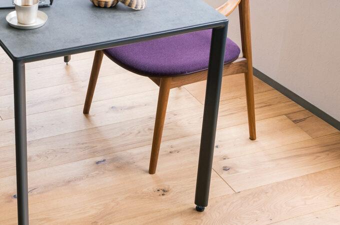 家具の色の選び方 床の色との組み合わせ インテリアの参考