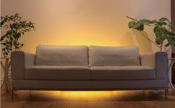 家具を照らす