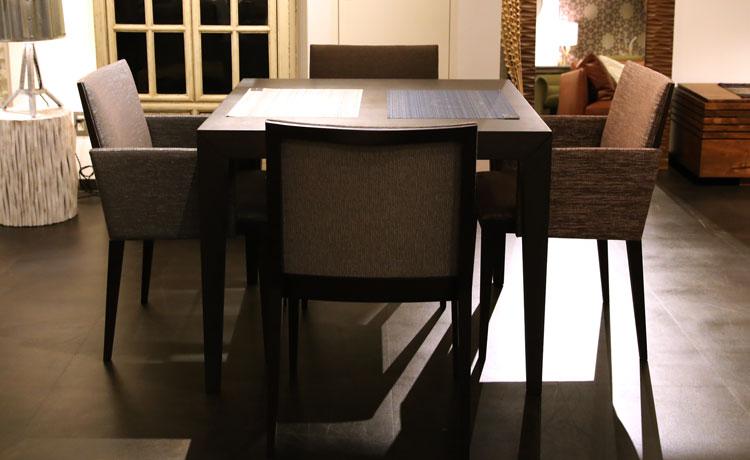 テーブルとチェアの組み合わせ、ロックストーンのダイニングセット