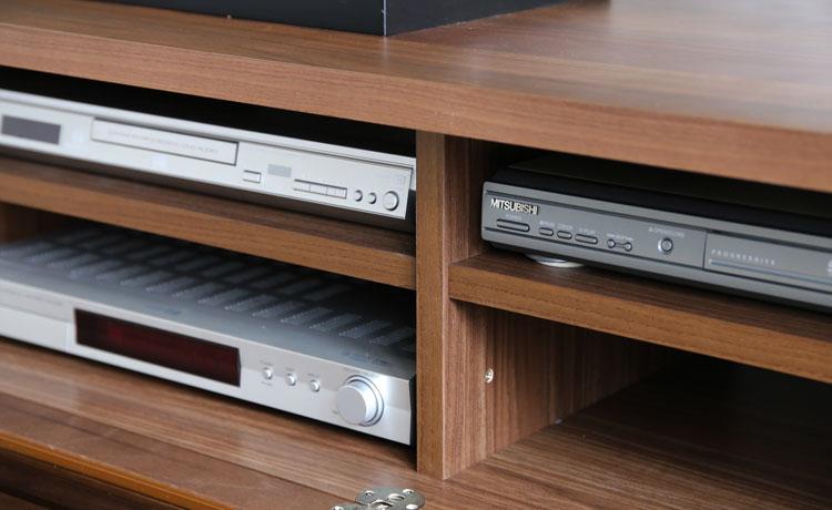 テレビ台選びのポイント、収納部分のサイズを確認する