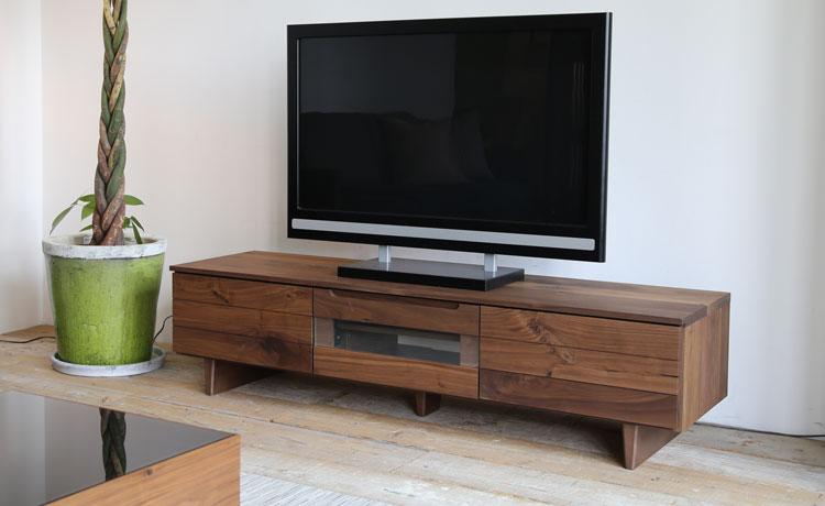テレビ台選びのポイント、脚があるテレビ台