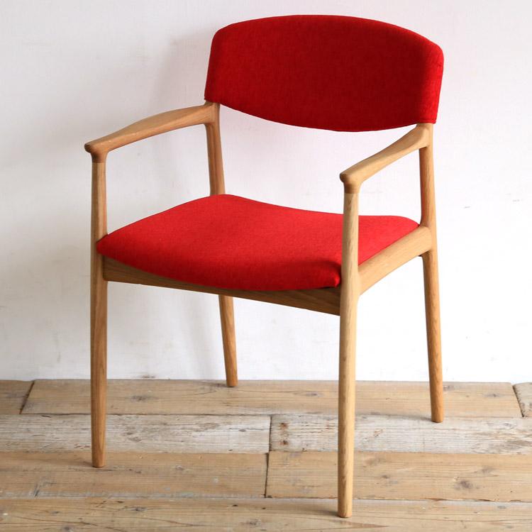 オーク材の椅子(チェア)とレッドの張地