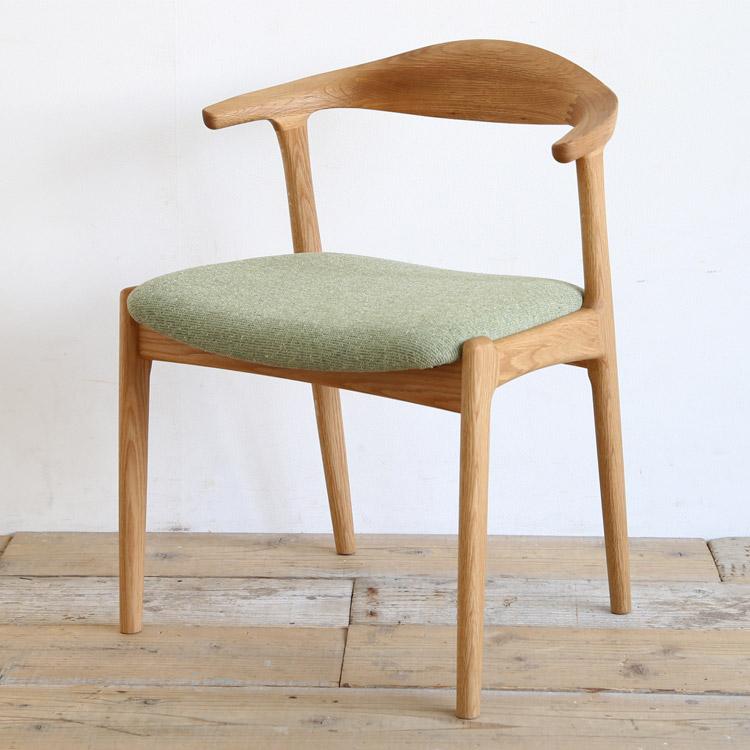 オーク材の椅子(チェア)とグリーンの張地