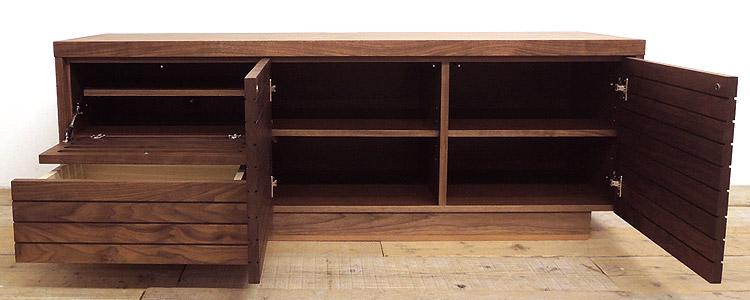 オーダー家具 テレビボードの収納、AV収納部は開き扉、さらにフラップ扉や引き出し付き