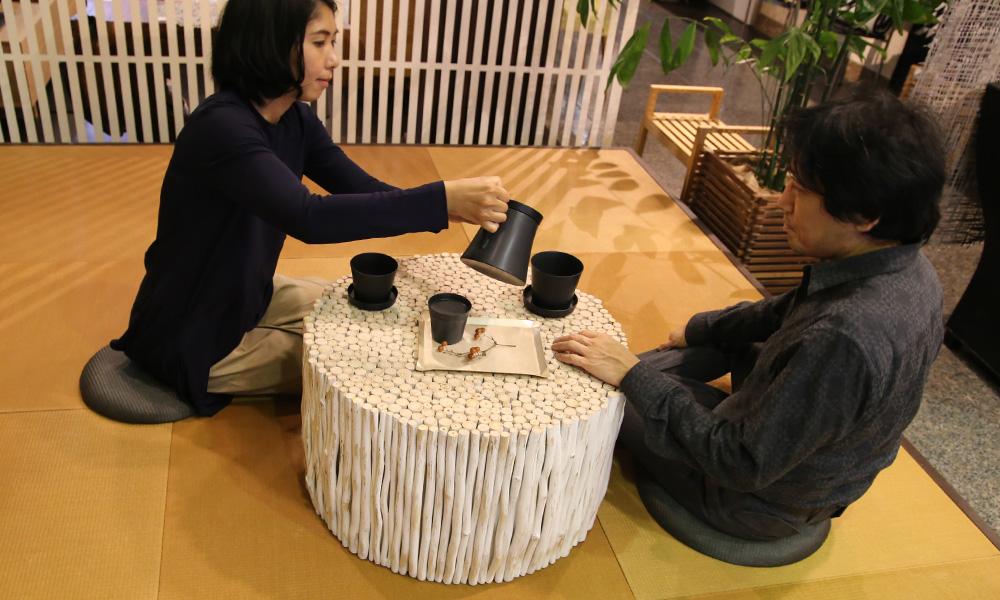 ミモザベンチテーブルの実際の使用イメージ