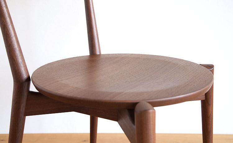 板座の椅子 おすすめ1の座面