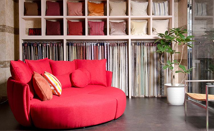 2012年の大阪マルキン家具、カーテン売場設置
