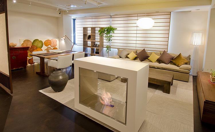 2012年の大阪マルキン家具、エコ暖炉設置