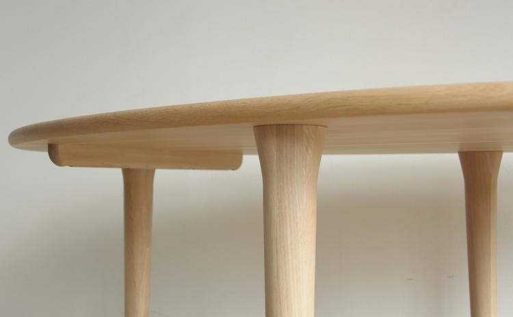 COTY コティ 日進木工のダイニングテーブルのテーパー脚
