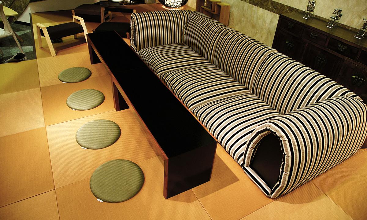 丸い畳の座布団・マカロン 使用例1