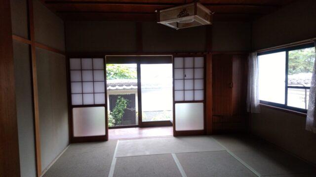 8畳の部屋と広縁