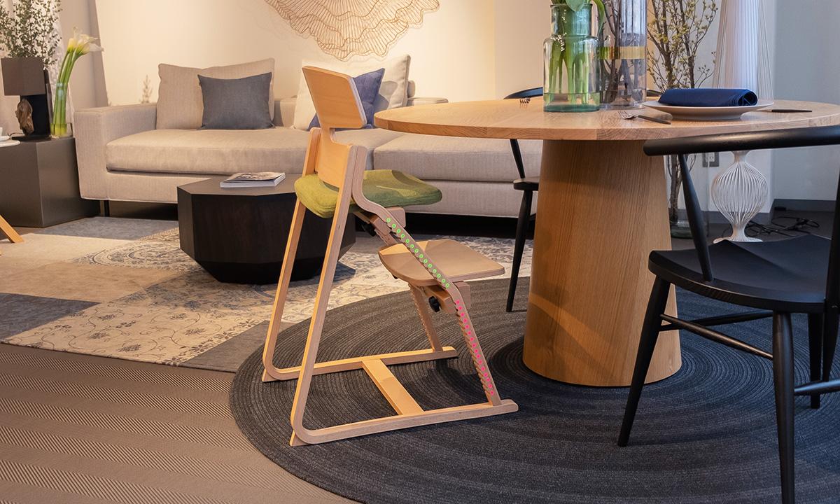 アップライトチェア 子どもの姿勢を守る椅子