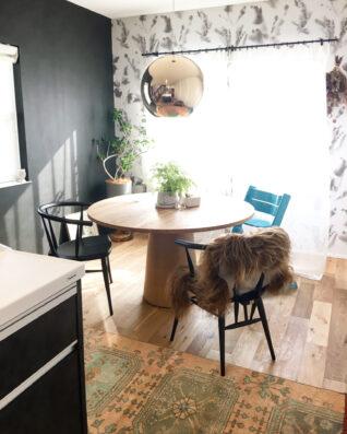 マリーテーブルとカフェチェアブラック納品事例
