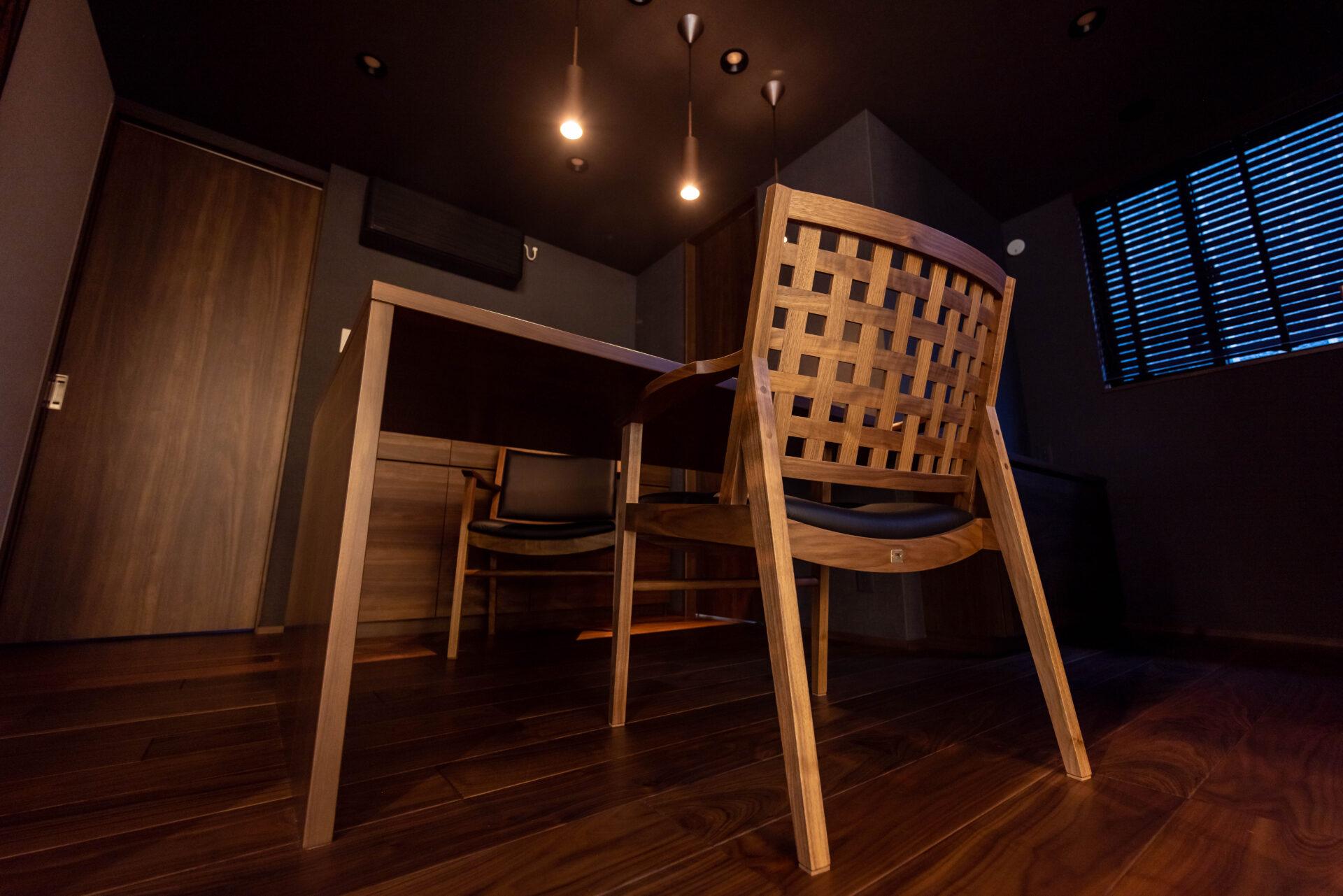 飛騨高山の高級椅子納品写真2